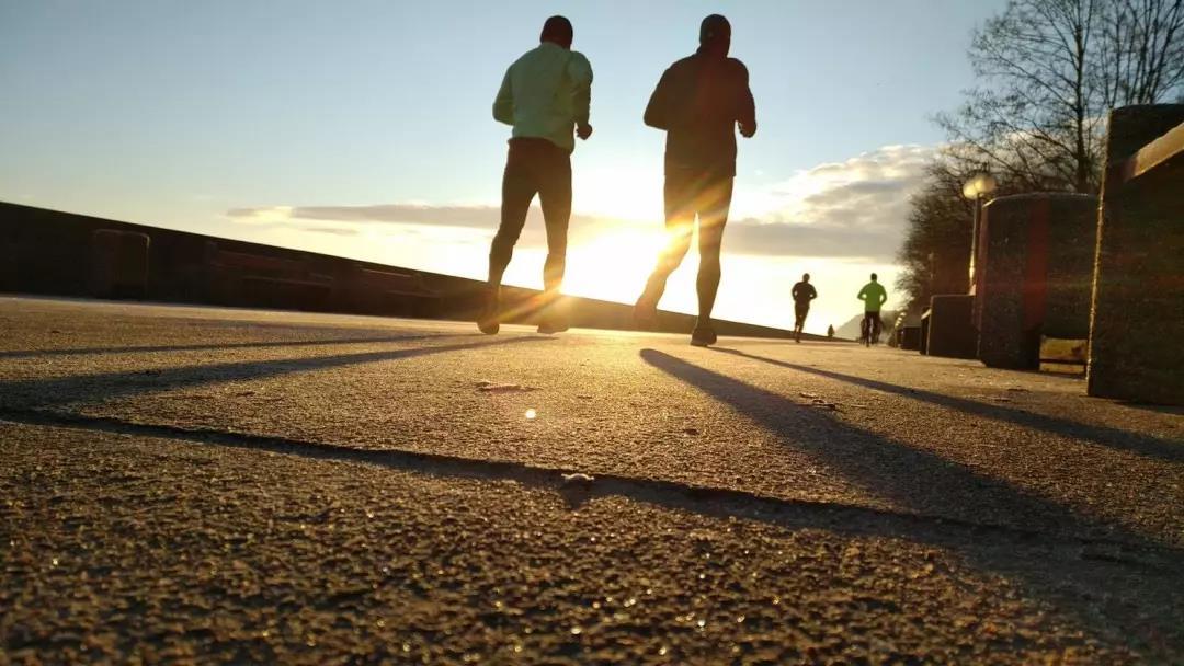 <b>早晨跑步减肥有作用吗?怎么样正确跑步减肥方法!</b>
