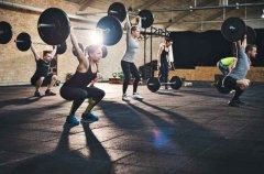 <b>团操杠铃健身训练应该注意的问题有哪些</b>